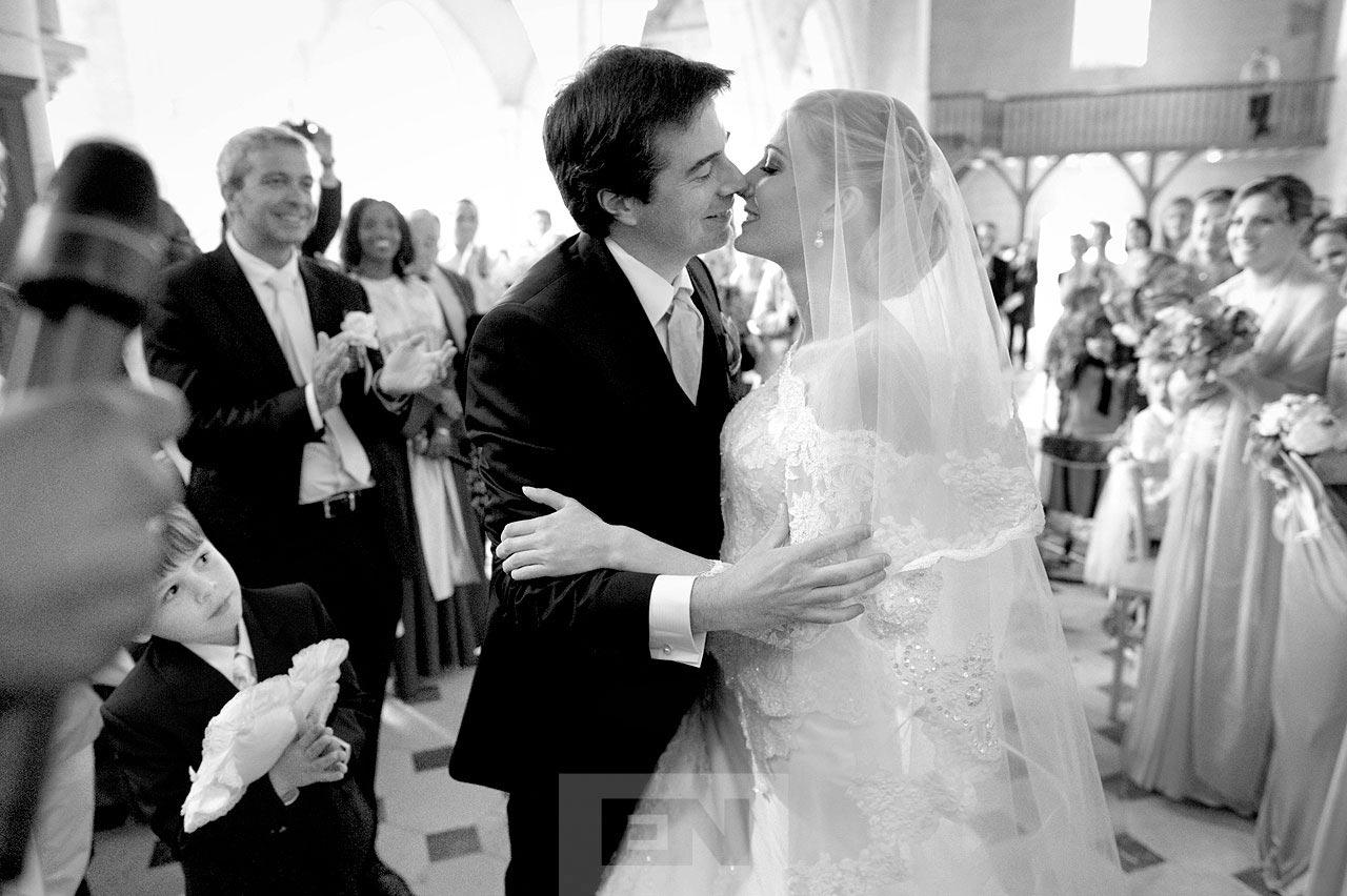 French wedding kiss